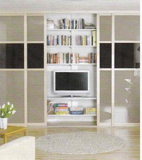 Televizi můžete umístit i do vestavěné skříně (foto: interiordesignnorth.blogspot.com)