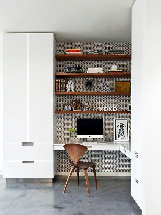Úložné prostory není vůbec od věci schovat za dvířka skříní - kancelář pak působí stále uklizeným dojmem. Zdroj foto.