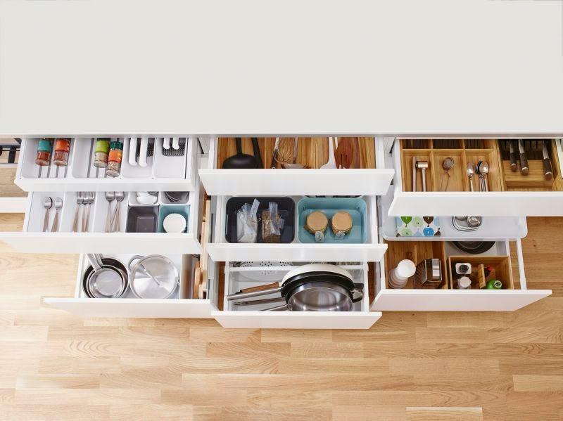 online kola bytov ho designu a podnik n s janou p knou kuchyn ikea metod pohled dovnit. Black Bedroom Furniture Sets. Home Design Ideas