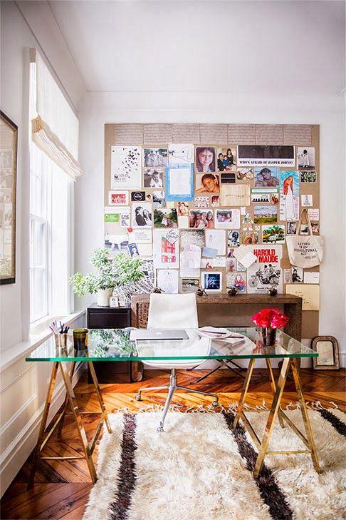 Je vhodné udělat si prostor na tvorbu koláží či sbírání inspirace. Zdroj foto.