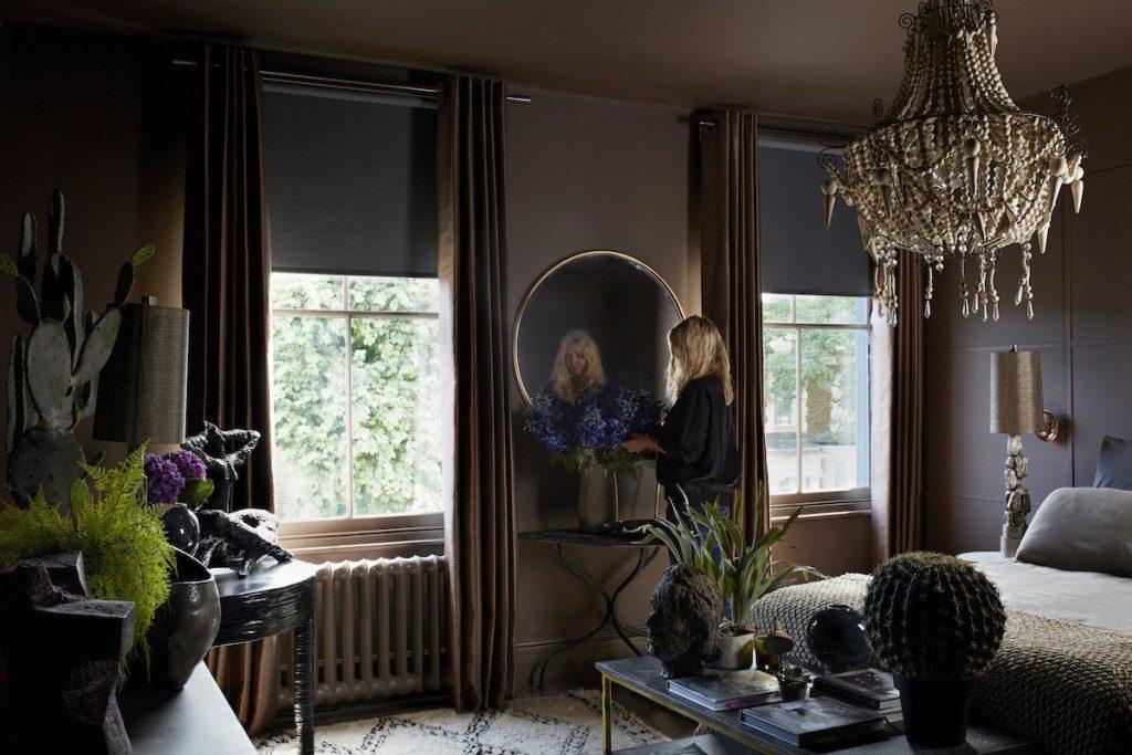 černá v interiéru