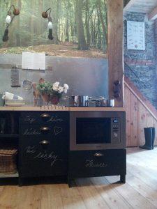 Oprášená stodola kuchyň