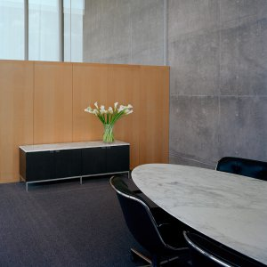 2florence-knoll-credenza
